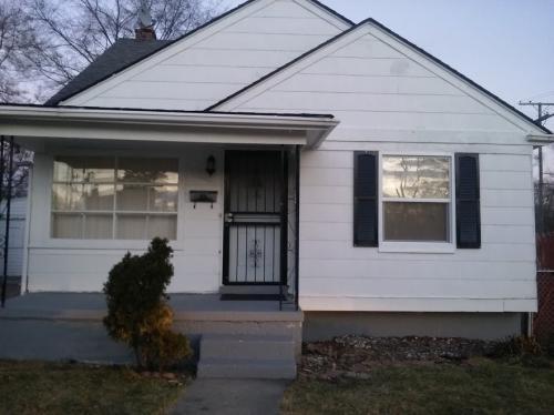 8600 Pierson Street Photo 1