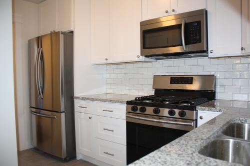 6443 N Rockwell Street Photo 1
