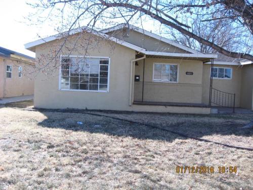601 W Plains Photo 1
