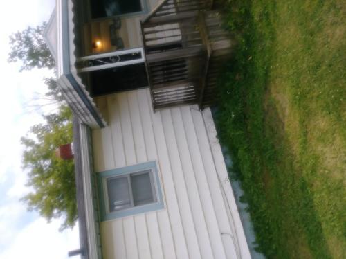 1316 E Yale Avenue Photo 1