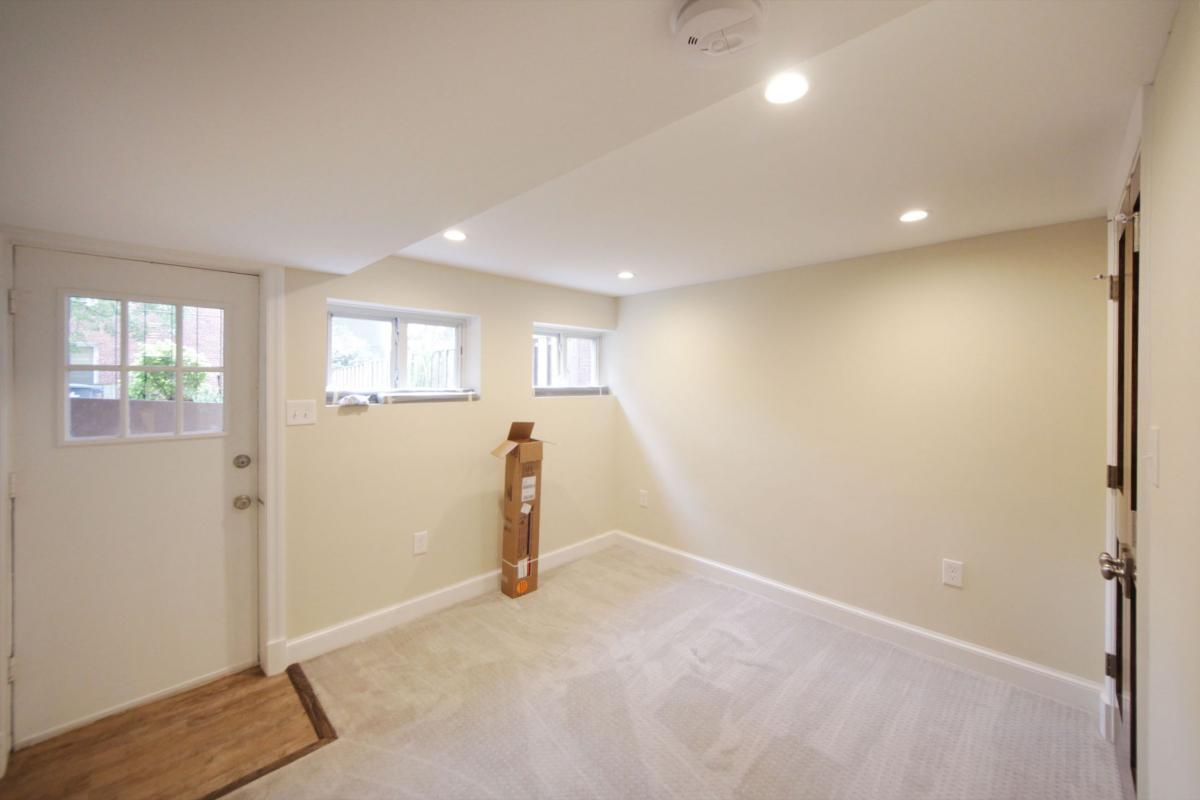 Fantastic 819 Taylor Street Ne Washington Dc 20017 Hotpads Home Interior And Landscaping Ferensignezvosmurscom