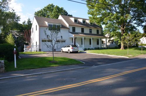 81 Lockwood Road Photo 1