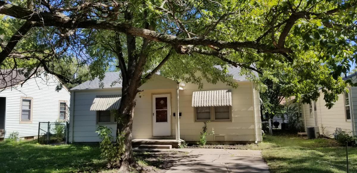 1906 N Hood Street Apt House Wichita Ks 67203 Hotpads