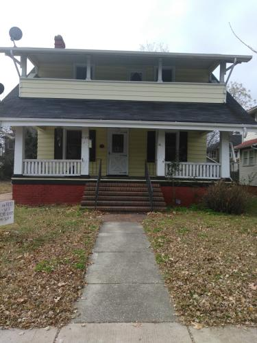5105 Huntington Avenue Photo 1