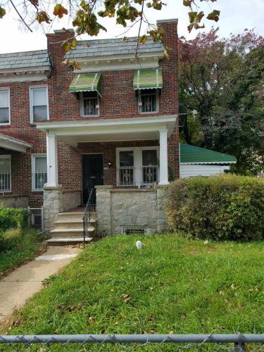 1422 N Rosedale Street Photo 1