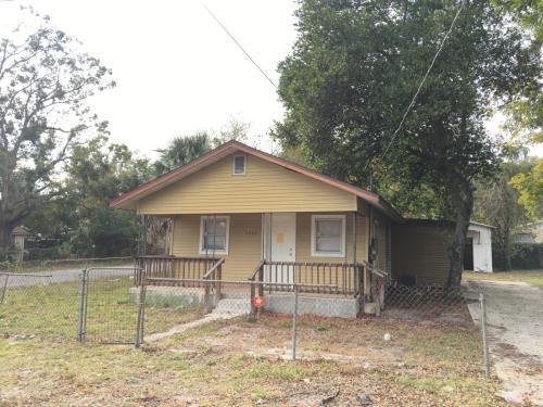 9402 N Brooks Street Photo 1