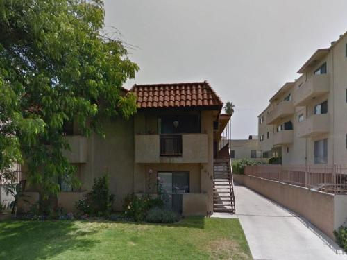5418 Hermitage Avenue #102 Photo 1