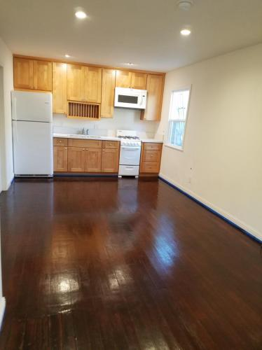 5460 Edgewood Place #GUESTHOUSE Photo 1