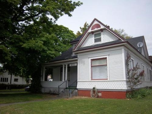 601 E Alder Street Photo 1