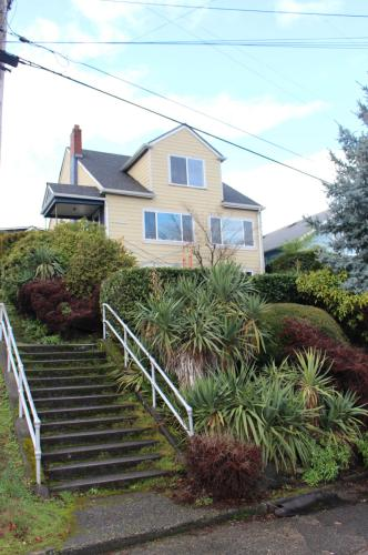3325 20th Avenue S Photo 1