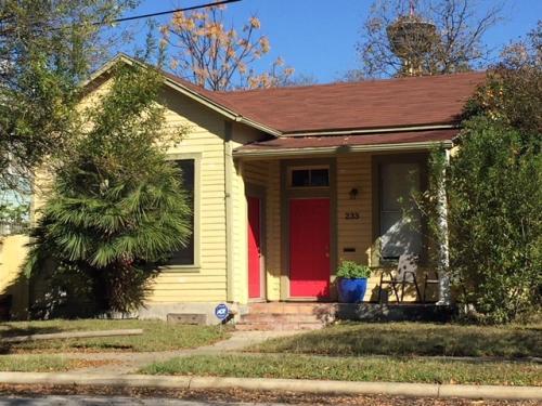 233 Leigh Street Photo 1