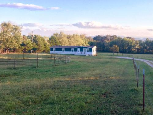 609 S Carter School Road Photo 1