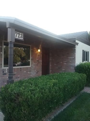 723 N Frederic Street Photo 1