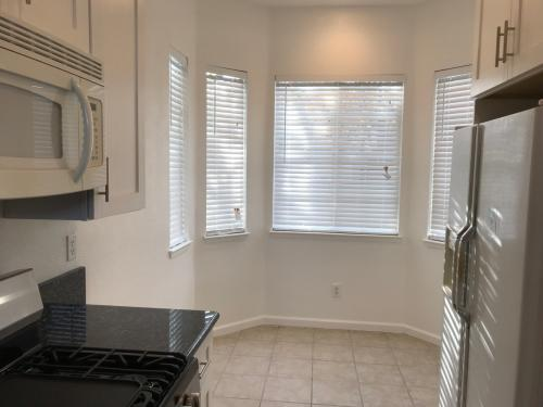 88 Crystal Cove Court #HOME SGL FAM Photo 1