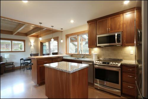 4054 NE Rodney Avenue #B Photo 1