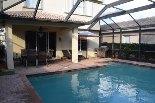 1651 Triangle Palm Terrace Photo 1