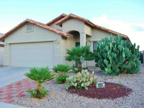3BR/2BA Single Family House - Sierra Vista Photo 1
