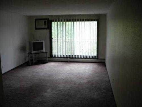 14630 Garrett Avenue Photo 1