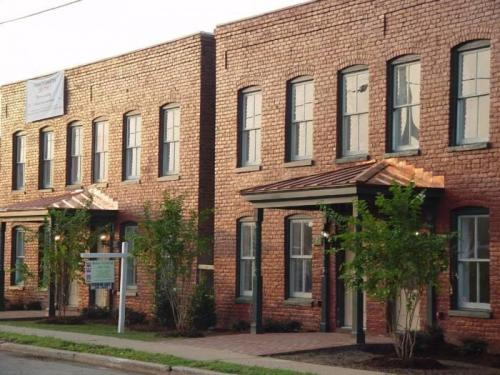 1814 Parkwood Avenue Photo 1