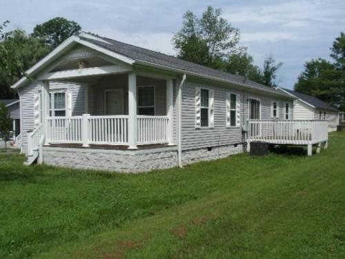 99 Hoopers Creek Road Photo 1