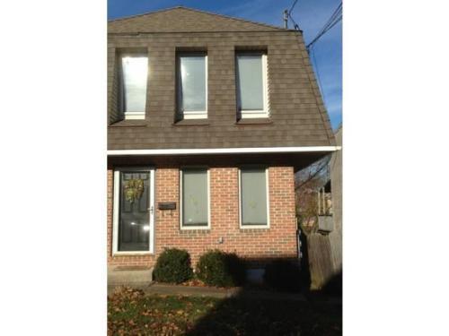 210 Maple Street Photo 1