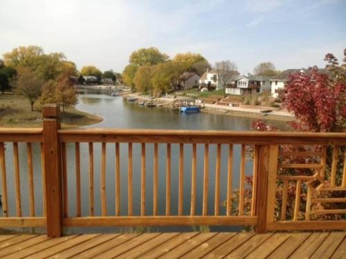400 Riverside Drive Photo 1