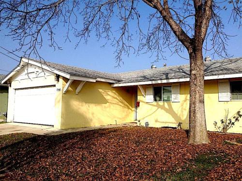 7260 Gatewood Lane Photo 1