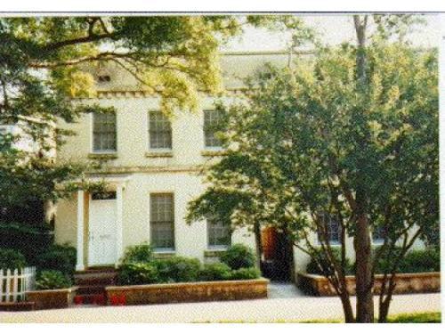 414 E Hall Street Photo 1