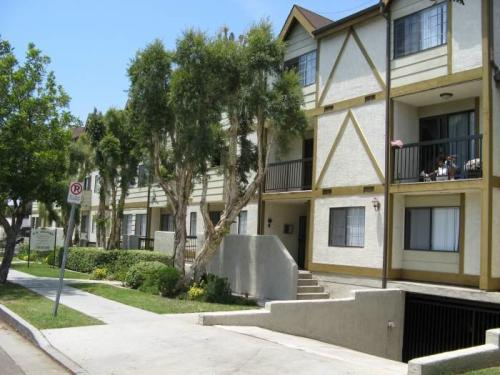 Apartment unit 201 at 615 milford street glendale ca for Zillow duplex los angeles