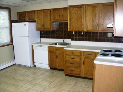 3BR/1BA Apartment - Worcester 4 Photo 1