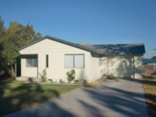 1110 NW Canyon Drive Photo 1
