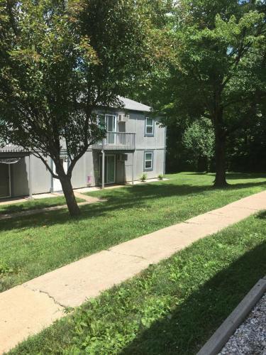 136 Colonial Lane #4 Photo 1