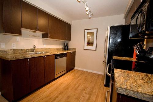 916 3rd Avenue Photo 1