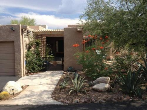 6447 N Foothills Drive Photo 1