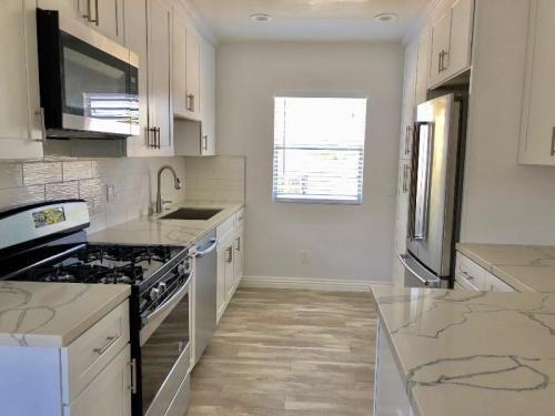 1802 12th Street #3. Manhattan Beach, CA 90266. Apartment Unit For Rent