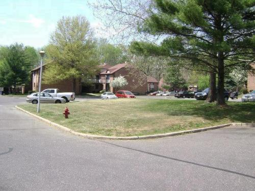 901 Knollwood Drive Photo 1