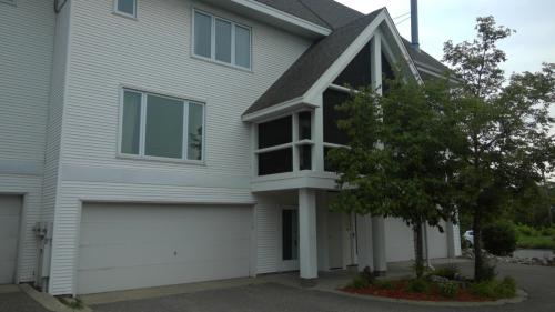 Dartmouth Avenue SE Photo 1