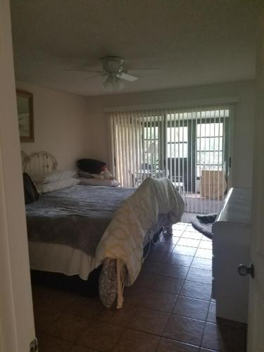 923 NE Sandalwood Place Photo 1