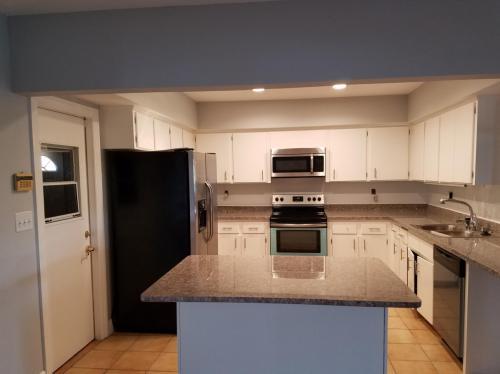 4417 SW 37th Avenue Photo 1
