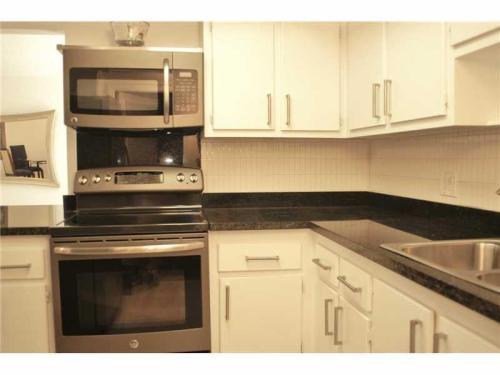 2451 SW 82nd Avenue Photo 1