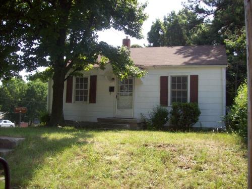 1003 Willow Road Photo 1