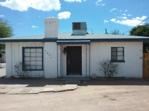 Terrific Houses For Rent In Tucson Az From 750 To 3 8K A Month Download Free Architecture Designs Intelgarnamadebymaigaardcom