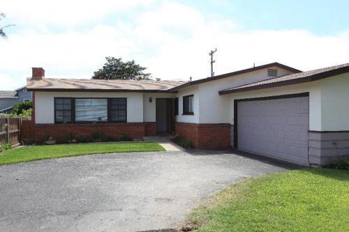 5283 Los Robles Drive Photo 1