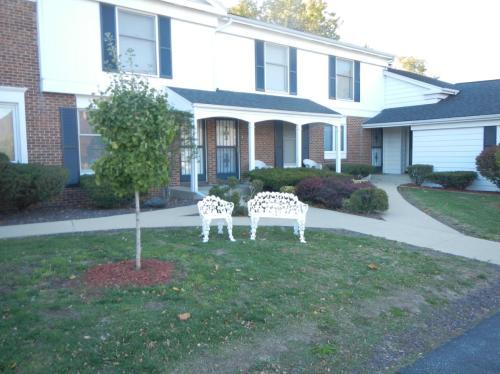 301 S Regency Drive Photo 1