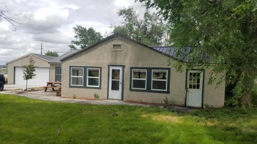 514 N Laramie Avenue Photo 1