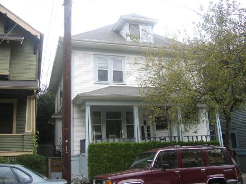1815 NW Hoyt Street #3 Photo 1