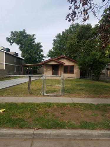 610 S Sierra Vista Avenue Photo 1
