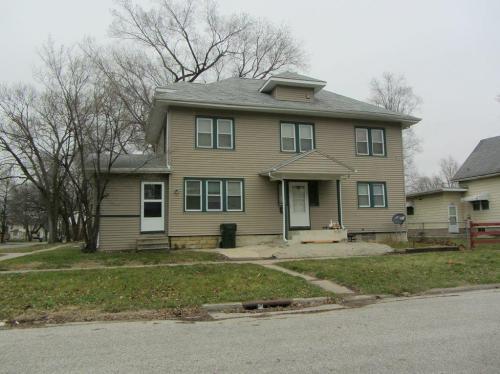 302 Clay Street Photo 1