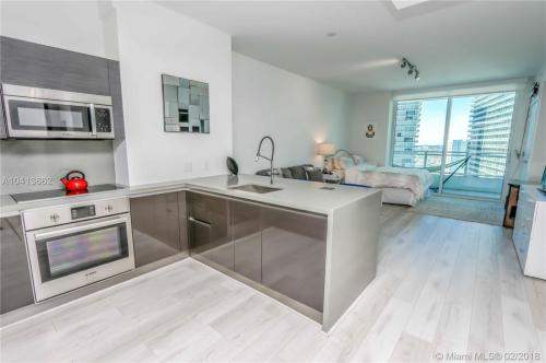 1080 Brickell Avenue Photo 1