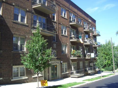 1388 W 111th Street #105 Photo 1